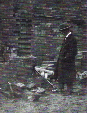 AL Armstrong at the dig in 1927